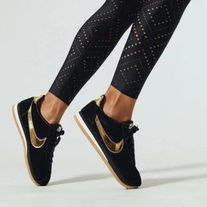 Nike Classic Cortez SE Black/Metallic Gold/Phantom